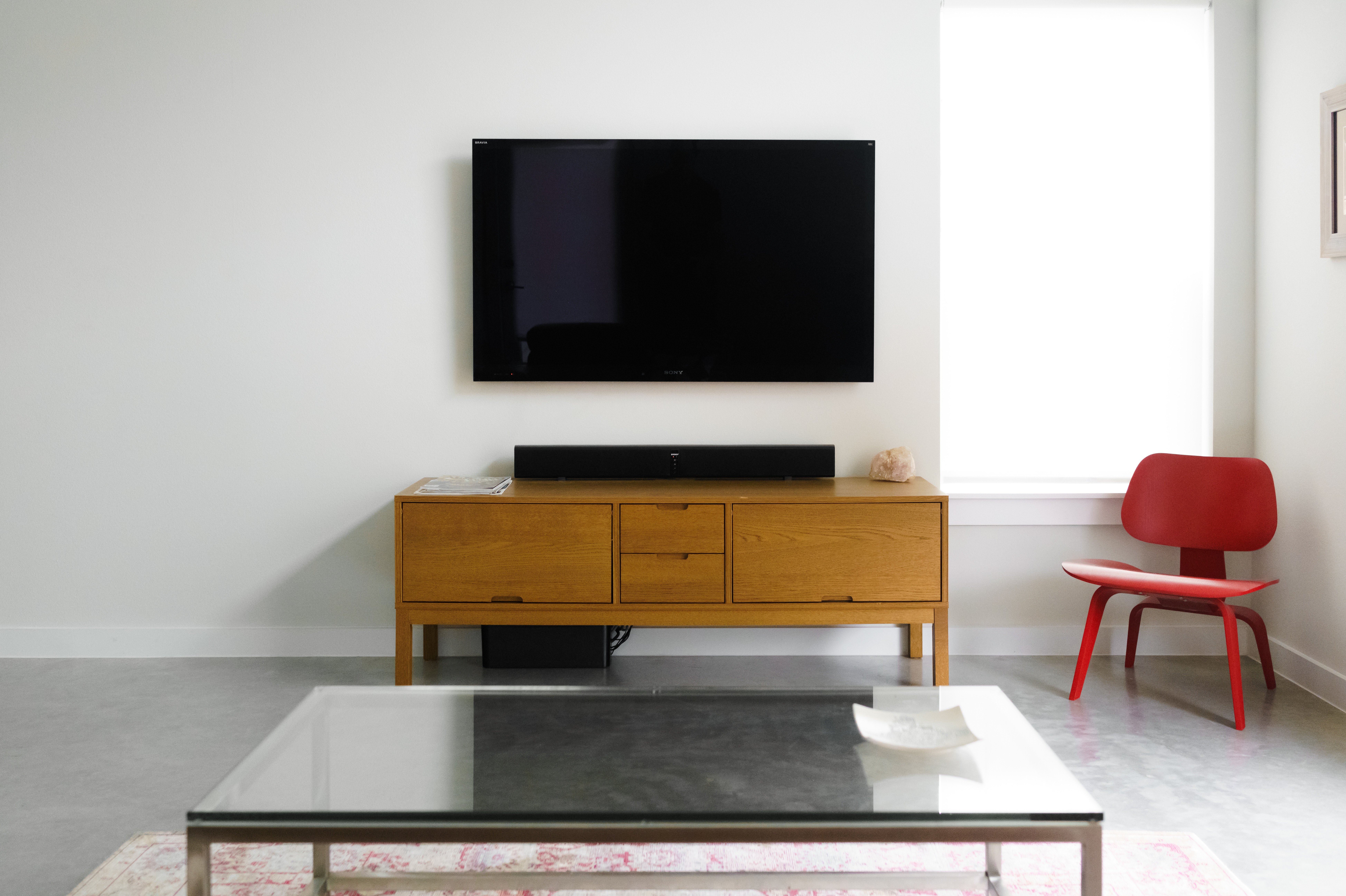 London electrician to hide cables on walls - Hanging tv on wall ideas ...